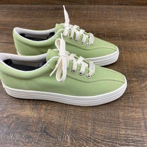 Liz Claiborne Canvas Sneaker Green